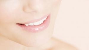 Higiena jamy ustnej a COVID-19